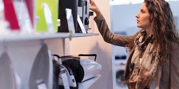 Vytlačují elektronické obchody kamenné prodejny? Právě naopak!